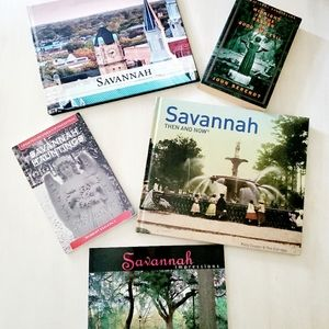 SAVANNAH collection of books 📚